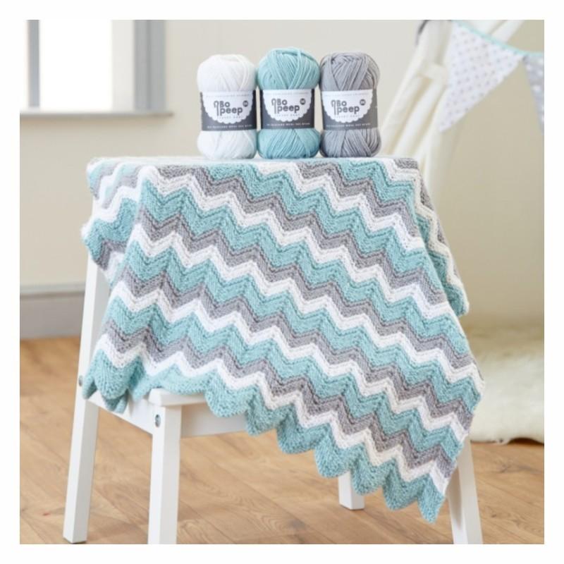 Strick-Set für eine Baby-Decke mit West Yorkshire Spinners Bo Peep DK
